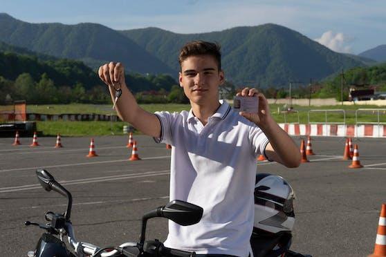 Der Mopedführerschein kostet laut Konsumentenschutz in OÖ zwischen 190 und 350 Euro.
