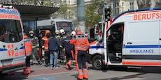 Drei Verletzte bei Crash mit Rettungsauto vor der Oper