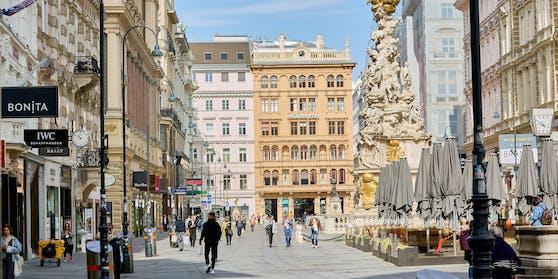 Blick in die Wiener City: Am Dienstag entscheidet sich, wie es mit den Corona-Regeln weitergeht.
