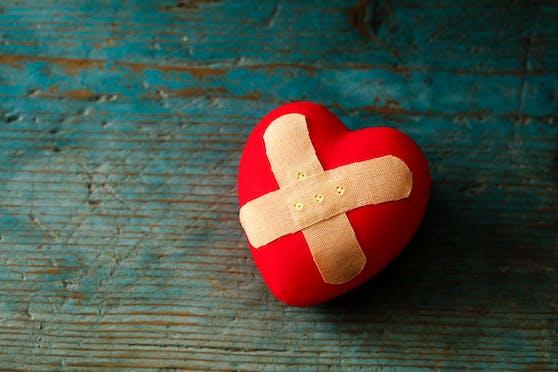 Ein Krebsmedikament soll Beschwerden des Broken Heart-Syndroms lindern.