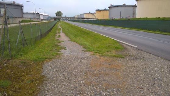"""So sieht der """"Radweg"""" derzeit aus."""