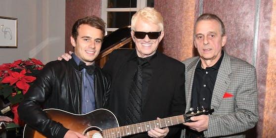Heino mit seinem Sohn Uwe Kramm und dessen Sohn Sebastian bei einem Familientreffen in Bad Münstereifel 2017