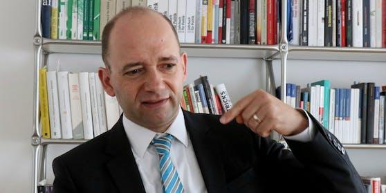 Politik-Experte Thomas Hofer analysierte Doskos Rückzug aus der Bundes-SPÖ.