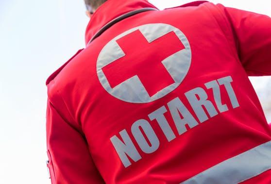 Ein Notarzt des Roten Kreuzes. Symbolbild