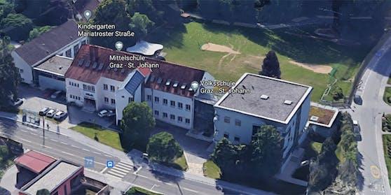 Die Schule musste evakuiert und von der Polizei durchsucht werden.