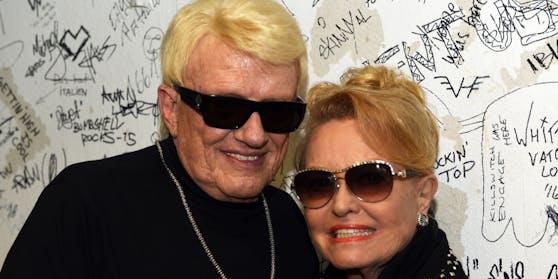 Hannelore ist Heinos dritte Ehefrau. Die beiden heirateten im Jahr 1979.