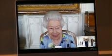 Lächeln statt Trauer: Audienz bringt Queen zum Strahlen