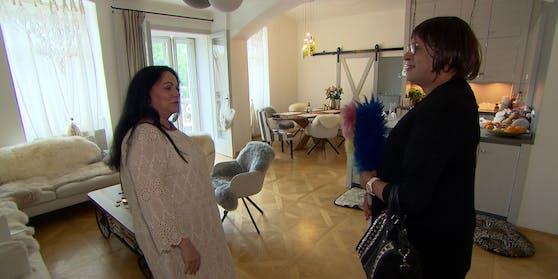 Statt einwandfreier Hausarbeit hinterlässt Putzfrau Tamara bei ihrer neuen Arbeitgeberin Margit ein Scherben-Desaster.