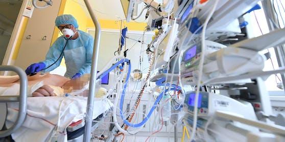 Ein Corona-Patient auf der Intensivstation.