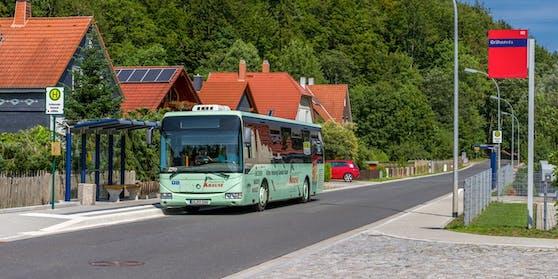 Der Vorfall ereignete sich bei einer Bushaltestelle im Burgenland.