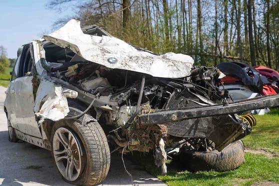 Der Lenker (22) hatte bei dem Crash in Eggelsberg keine Überlebenschance.