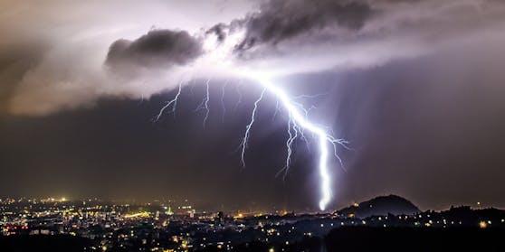 Gewitter über Graz. Symbolbild