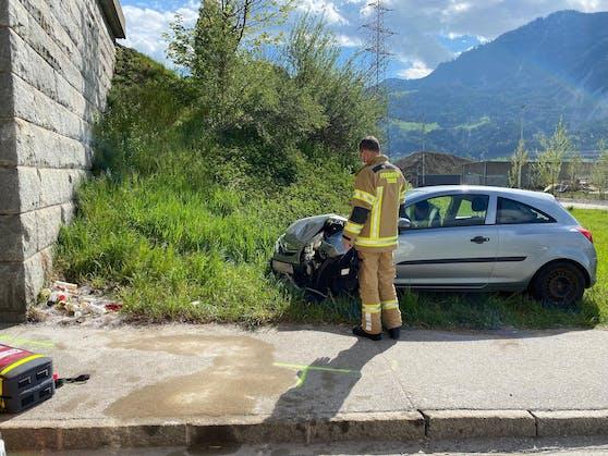 Schwerer Verkehrsunfall in Stans -Fotocredit: ZOOM.TIROL