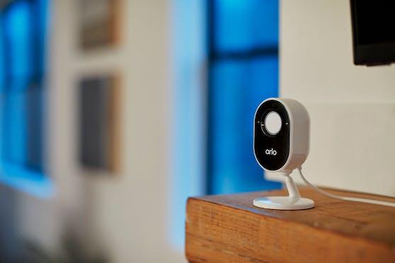 Arlo startet neue Indoor-Überwachungskamera.