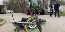 Moped bei Kollision mit Traktor beinahe zerfetzt