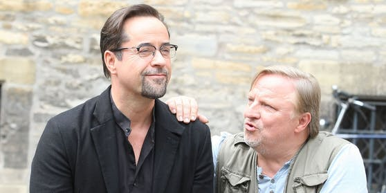 """Jan Josef Liefers (li.) und Axel Prahl zählen zu den beliebtesten """"Tatort""""-Ermittlern. Mit der #allesdichtmachen-Aktion stieß Liefers aber auf wenig Begeisterung."""