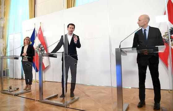 Klimaschutzministerin Leonore Gewessler (Grüne), Bundeskanzler Sebastian Kurz (ÖVP) und Arbeitsminister Martin Kocher