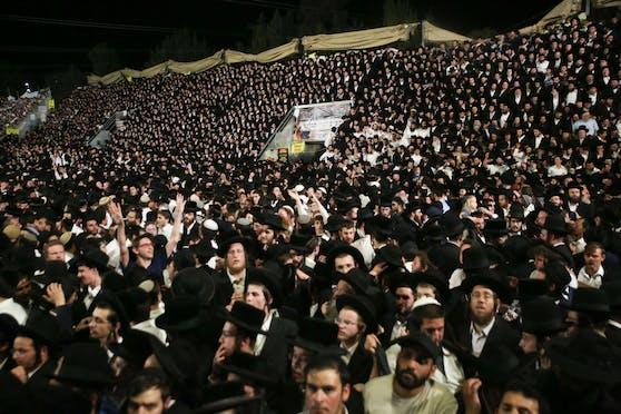 Bei einer Massenpanik an einer jüdischen Pilgerstätte im Norden Israels sind dutzende Menschen ums Leben gekommen.