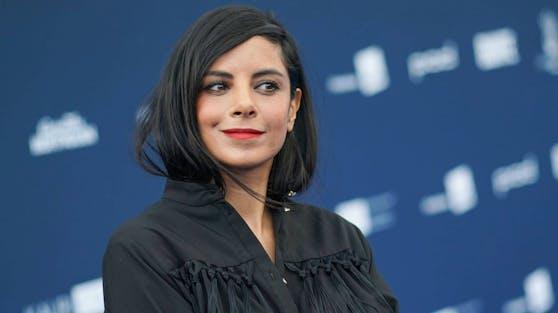 """TV-Schauspielerin Collien Ulmen-Fernandes erinnert sich an schwierige """"Traumschiff""""-Dreharbeiten und unerwartete Herausforderungen."""