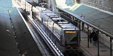 75-Jährige in Lift von U6-Station massiv bedroht