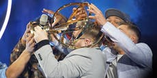 DSDS-Sieger zerstört Pokal live im TV