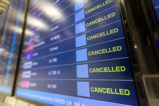 Laut einer Umfrage sprachen sich 64 Prozent der Deutschen - also knapp zwei Drittel -  für ein Verbot von Urlaubsreisen ins Ausland aus.