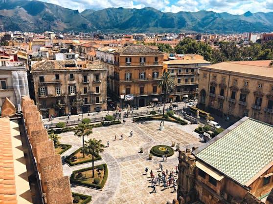 Die Polizei hat in Italien einen mutmaßlichen Mafia-Boss festgenommen. Für die Aktion verantwortlich waren Staatsanwälte in Palermo (Bild) und weitere Anti-Mafia-Ermittler.