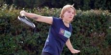 Tennis-Spielerin verkauft ihren Arm als Werbefläche
