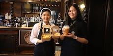Pikante Mini-Palatschinken im ersten Thai-Café Wiens