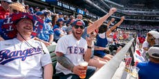 Baseballspiel vor mehr als 38.000 Fans in Texas