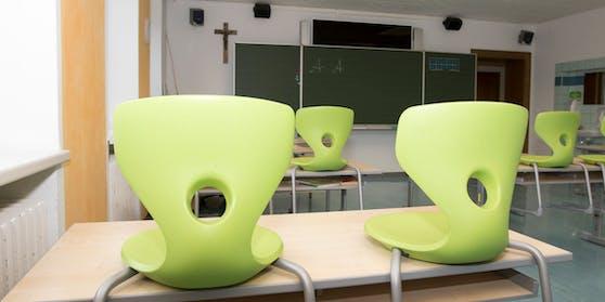Ein leeres Klassenzimmer  - so schaut es in den Schulen in Niederösterreich, Wien und dem Burgenland aus. (Archivfoto)