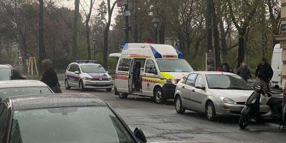 Das Rote Kreuz brachte die Frau ins Spital.