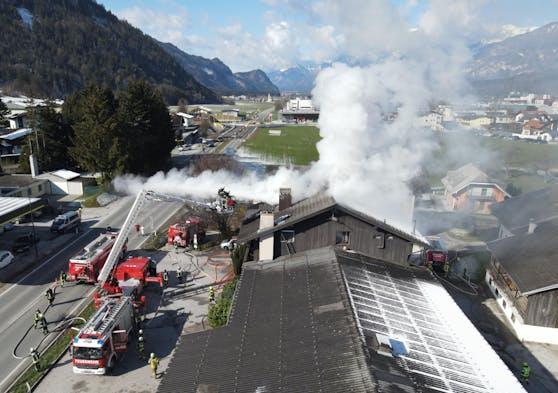 Die angerückten Feuerwehren konnten das Feuer rasch löschen.