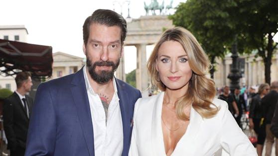 Sänger Alec Völkel und seine Frau Johanna sind zu Ostern zum zweiten Mal Eltern geworden.