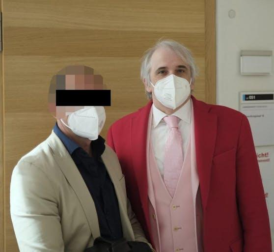 Der angeklagte Discobetreiber mit Anwalt Michael Dohr