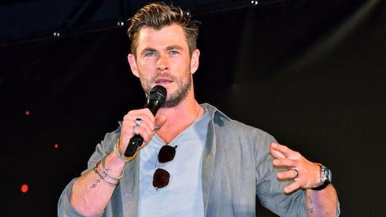 """""""Thor""""-Darsteller Chris Hemsworth will seinen dichten Traininsplan überdenken, um damit auch mehr ernste Rollen zu ergattern."""