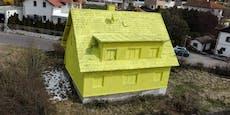 Mann streicht Haus völlig gelb an – das war der Grund