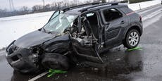 Riesen-Stau nach schwerem Unfall mit Verletzten