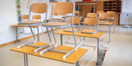 Unter Einhaltung strenger Maßnahmen kehren Schüler in Niederösterreich und Wien am Montag in die Schule zurück.