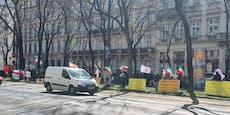 Iraner demonstrieren bei Atom-Gesprächen in Wien