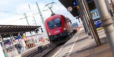 Maskenverweigerer flippt in Zug aus, attackiert Polizei