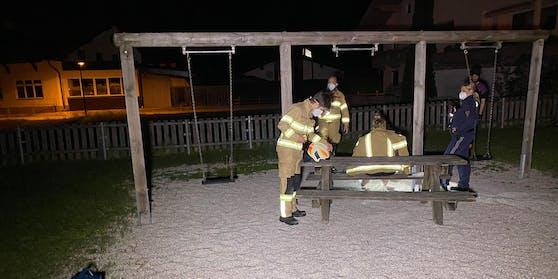 In Strass (T.) ist es zu einem ungewöhnlichen Feuerwehreinsatz gekommen.