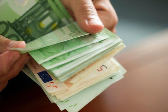 Der Beschuldigte dürfte die PVA um mindestens 800.000 Euro gebracht haben.