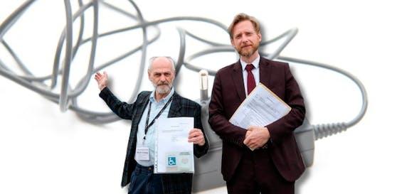 Anwalt G. Forsthuber vertritt den verärgerten Kunden Horst E. (l.)