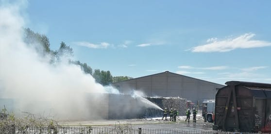 Am Dienstag musste die Feuerwehr zu einer Papierfabrik ausrücken.