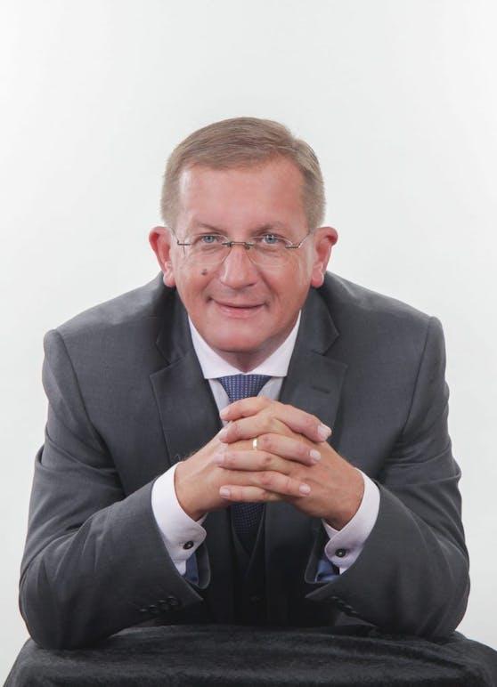 FPÖ-Verkehrssprecher Landtagsabgeordneter Dieter Dorner setzt sich für Autofahrer ein.
