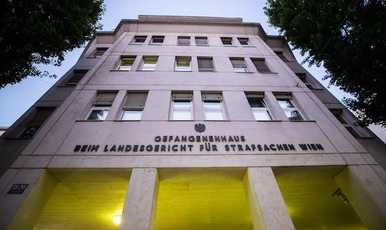 Außenansicht des Gefangenenhauses beim Landesgericht für Strafsachen Wien.