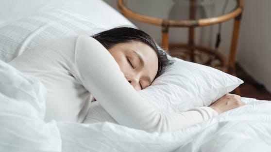 Gibt es einen Zusammenhang zwischen deinem Wohnort und deiner Schlafqualität? Eine Studie will das herausgefunden haben.