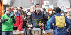 Fridays For Future marschiert vor WKO-Zentralen auf
