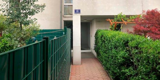 In einer Wohnung in diesem Mehrparteienhaus in Wien-Simmering wurde die Leiche der Frau entdeckt.